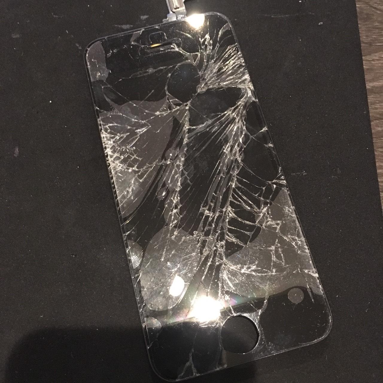 0324|iPhone5c|液晶パネル交換修理